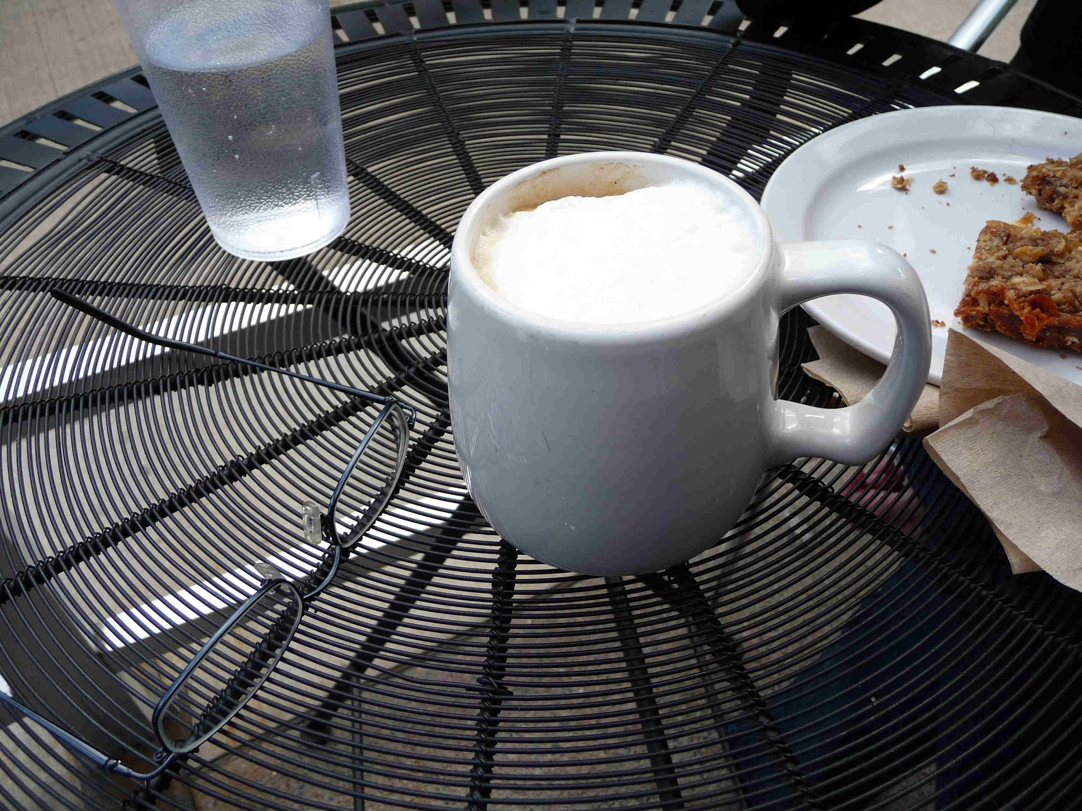 The cappuccino comes in a mug.